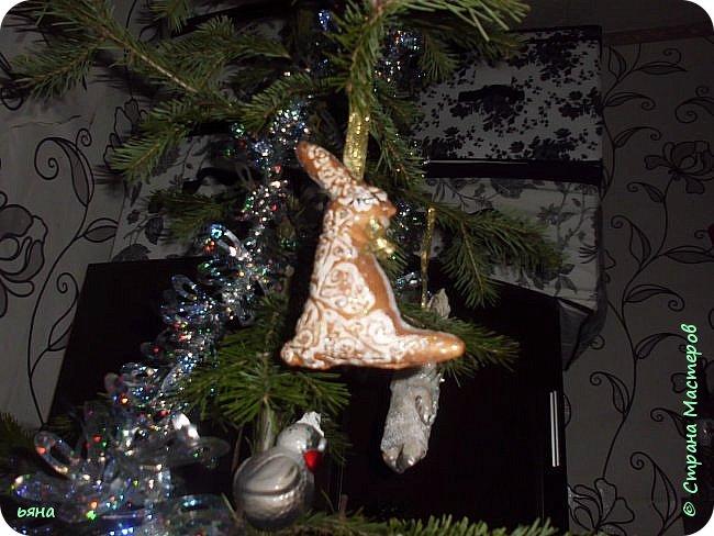 Что то понесло меня на игрушки в этом году... Поставила себе цель украсить елку своими игрушками. А это не успела доделать фальшкамин- доделаю покажу. фото 9