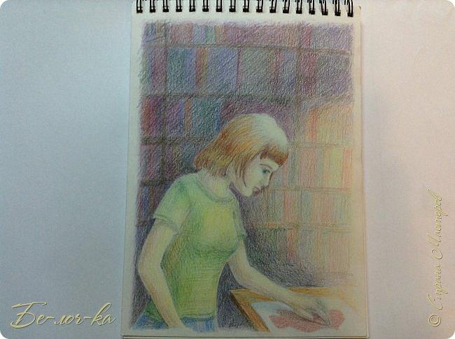 Девочка в библиотеке
