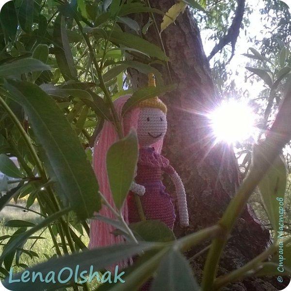 """А вы любите """"Время приключений""""?  Знакомтесь  - принцесса Бубль Гум и радуга за спиной. Это моя самая первая Именно Кукла, до неё я вязала разных существ и зверят не по человеческому образу. Эта кукла бескаркасная, и ручки ножки просто так.  В ней 25 см, наряд снимается. С неё то и началась безумная любовь к куклам-амигуруми. фото 2"""