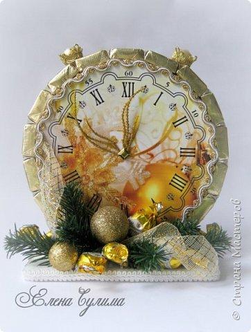 С Новым Годом, мои дорогие, хорошие жители страны!!! Я немного с опозданием, но лучше поздно )) Желаю в первую очередь крепкого здоровья вам и вашим близким, счастья, любви, благополучия и мирного неба над головой, новых впечатлений и эмоций, идей, желаний и мечт, новых свершений, вдохновения, благодарных клиентов и настоящего полета фантазии в вашем (нашем) творчестве ! ;) фото 2