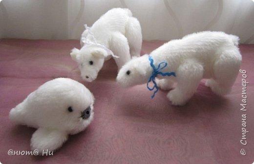 Давно хотела попробовать выкройку тильдовского белого медведя. Когда же шить их, как не зимой... Мишки подарочные, хотела порадовать девочек своих любимых фото 6