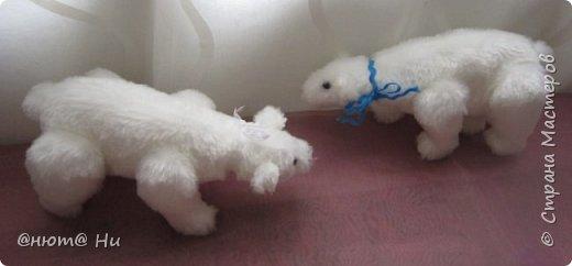 Давно хотела попробовать выкройку тильдовского белого медведя. Когда же шить их, как не зимой... Мишки подарочные, хотела порадовать девочек своих любимых фото 3