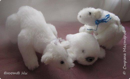 Давно хотела попробовать выкройку тильдовского белого медведя. Когда же шить их, как не зимой... Мишки подарочные, хотела порадовать девочек своих любимых фото 7