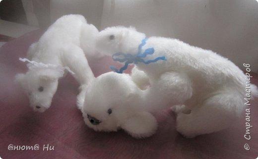 Давно хотела попробовать выкройку тильдовского белого медведя. Когда же шить их, как не зимой... Мишки подарочные, хотела порадовать девочек своих любимых фото 8