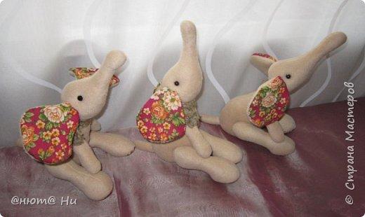 Нравятся мне эти лежащие слоны, вот и решила сшить их на новогодние подарки Все подарки уже доехали и получены, потому могу вам их показать фото 3