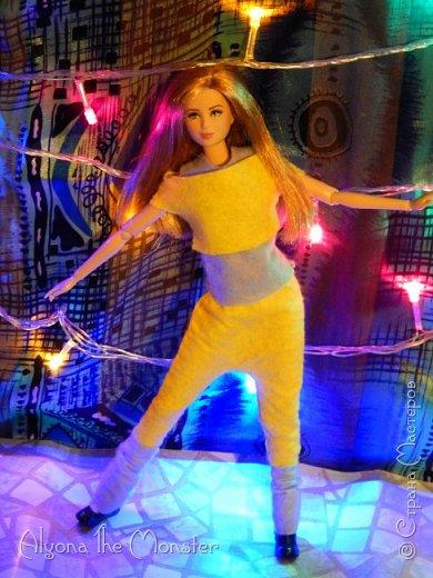 Брейк-данс — уличный танец, одно из течений культуры хип-хоп. Танцор исполняет фантастические перемещения в пространстве, которые на первый взгляд противоречат всем законам физики и гравитации. фото 9