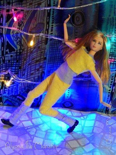 Брейк-данс — уличный танец, одно из течений культуры хип-хоп. Танцор исполняет фантастические перемещения в пространстве, которые на первый взгляд противоречат всем законам физики и гравитации. фото 10