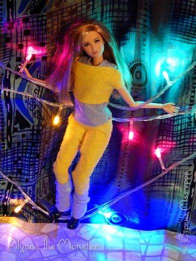 Брейк-данс — уличный танец, одно из течений культуры хип-хоп. Танцор исполняет фантастические перемещения в пространстве, которые на первый взгляд противоречат всем законам физики и гравитации. фото 11