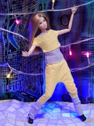 Брейк-данс — уличный танец, одно из течений культуры хип-хоп. Танцор исполняет фантастические перемещения в пространстве, которые на первый взгляд противоречат всем законам физики и гравитации. фото 18
