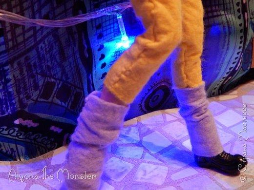 Брейк-данс — уличный танец, одно из течений культуры хип-хоп. Танцор исполняет фантастические перемещения в пространстве, которые на первый взгляд противоречат всем законам физики и гравитации. фото 17