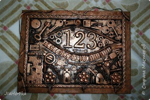 Доброго времени суток! В длинные новогоднии праздники доделала ключницу для брата, подарок вручен с задержкой, но меня поняли и простили :)  фото 1