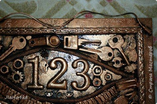 Доброго времени суток! В длинные новогоднии праздники доделала ключницу для брата, подарок вручен с задержкой, но меня поняли и простили :)  фото 2
