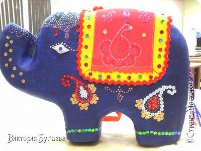 Ежегодный городской  конкурс новогодних игрушек не застал врасплох- очень хотелось индийского слоника... и  все решили материалы... фото 1
