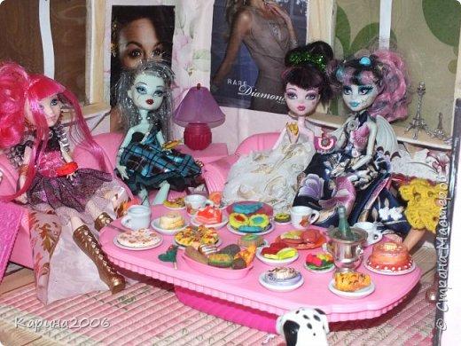 Вот такой  стол для кукол у меня получился . фото 1
