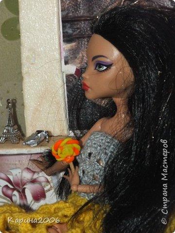 Вот такой  стол для кукол у меня получился . фото 9