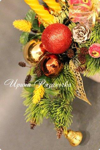 """""""Рождественские свечи зажгу я в этот вечер, и про себя спрошу - ну как, твои дела?""""  Всем, всем здравствуйте! Как ваши дела, мои дорогие? К моему великому сожалению новогодних блогов у меня в этот раз не было.... Поэтому гружу свой блог в сочельник. Приглашаю всех к теплому очагу со свечами. Да уж, свечей в этот раз  у меня много)))  Итак - две подарочные композиции в кашпо со свечами. Без конфет. Для интерьера.  фото 8"""