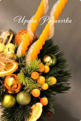 """""""Рождественские свечи зажгу я в этот вечер, и про себя спрошу - ну как, твои дела?""""  Всем, всем здравствуйте! Как ваши дела, мои дорогие? К моему великому сожалению новогодних блогов у меня в этот раз не было.... Поэтому гружу свой блог в сочельник. Приглашаю всех к теплому очагу со свечами. Да уж, свечей в этот раз  у меня много)))  Итак - две подарочные композиции в кашпо со свечами. Без конфет. Для интерьера.  фото 4"""