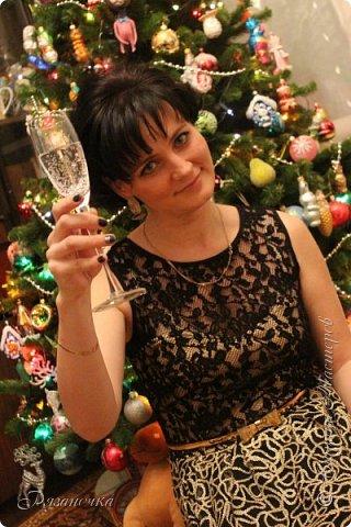"""""""Рождественские свечи зажгу я в этот вечер, и про себя спрошу - ну как, твои дела?""""  Всем, всем здравствуйте! Как ваши дела, мои дорогие? К моему великому сожалению новогодних блогов у меня в этот раз не было.... Поэтому гружу свой блог в сочельник. Приглашаю всех к теплому очагу со свечами. Да уж, свечей в этот раз  у меня много)))  Итак - две подарочные композиции в кашпо со свечами. Без конфет. Для интерьера.  фото 36"""