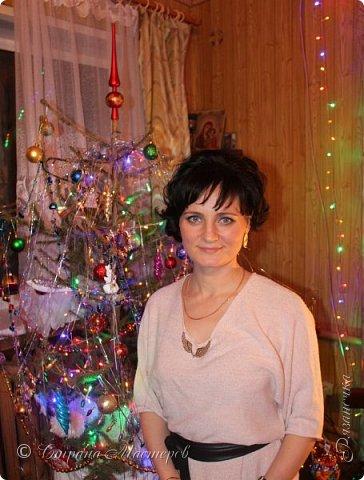 """""""Рождественские свечи зажгу я в этот вечер, и про себя спрошу - ну как, твои дела?""""  Всем, всем здравствуйте! Как ваши дела, мои дорогие? К моему великому сожалению новогодних блогов у меня в этот раз не было.... Поэтому гружу свой блог в сочельник. Приглашаю всех к теплому очагу со свечами. Да уж, свечей в этот раз  у меня много)))  Итак - две подарочные композиции в кашпо со свечами. Без конфет. Для интерьера.  фото 35"""
