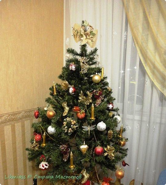 Мороз и солнце, день чудесный. Это именно про сегодняшний радостный и чудесный день. Рождество Христово. Белый снег искрится на солнышке, похрустывает под ногами. Кругом все празднично и радостно. Морозец с утра знатный - минус 28, к обеду немного отпустило, как бы приглашая на праздничную прогулку.  Рождество у меня ассоциируется с елкой нарядной, домиками припорошенными и ангелами. фото 1