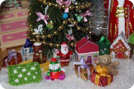 Вот такие стол и елочка были на Новый год в нашем маленьком домике. фото 4