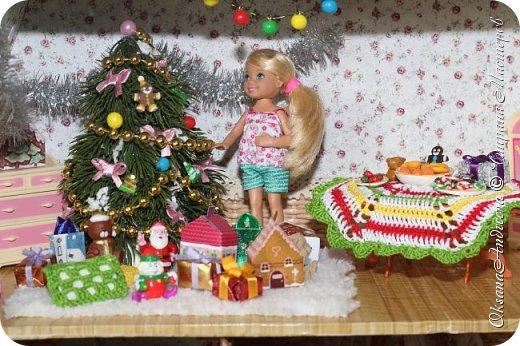 Вот такие стол и елочка были на Новый год в нашем маленьком домике. фото 2