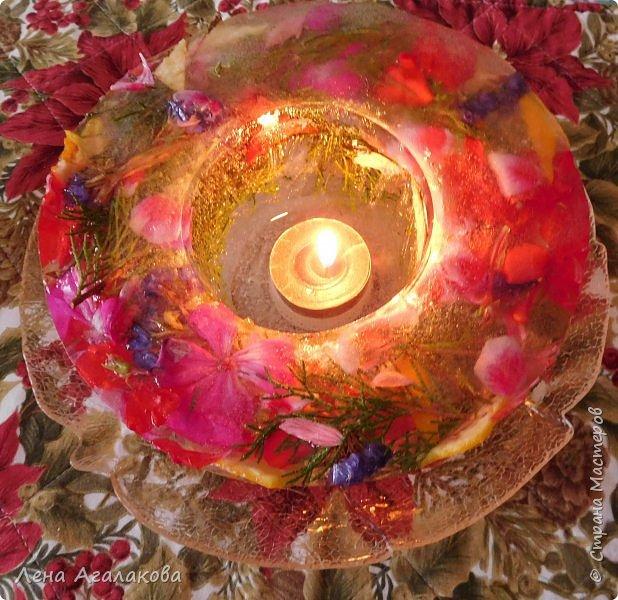 Добрый день жители СМ! С наступившим Новым годом и Рождеством! Сегодня хочу показать ледяной подсвечник, давно хотела сделать и очень мне понравился результат, хочется украсить стол на праздник чем-то оригинальным. фото 1