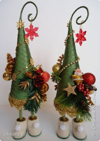 С Рождеством Христовым! В этот светлый праздник хочется пожелать мира и спокойствия в каждом доме, добра, взаимопонимания, достатка, любви, счастья, душевного равновесия, успехов во всех начинаниях, побольше радости, крепкого здоровья и всех благ! Пусть оправдаются все ожидания и сбудутся самые заветные мечты!  Вот и я насмотрелась на ваши елочки и сделала несколько штук:) фото 11