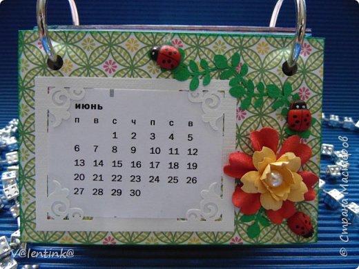 Подходят к концу новогодние праздники. Но подарки еще подарены не всем. Этот бесконечный календарь делала в подарок подруге у которой уже много моих работ. Поэтому нужно что то новенькое и эксклюзивное. фото 7