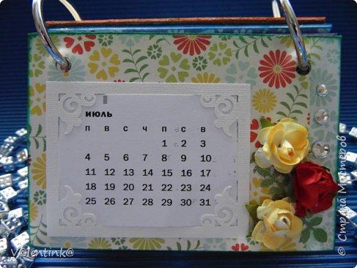 Подходят к концу новогодние праздники. Но подарки еще подарены не всем. Этот бесконечный календарь делала в подарок подруге у которой уже много моих работ. Поэтому нужно что то новенькое и эксклюзивное. фото 8