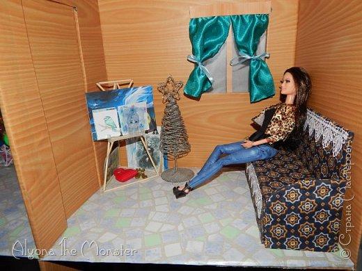 Приветствую всех, кто зашел в гости! Все каникулы я исполняла свою мечту - делала кукольный дом. Это была очень большая и очень сложная работа. Дом сделан из двух почтовых коробок №6, состоит из двух этажей и веранды. фото 8