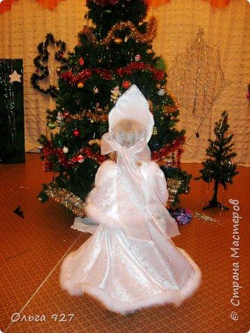 Все костюмы для своей дочурки шила сама. Очень уж ей нравиться занимать почётное 1 место в конкурсе костюмов и получать главный приз. Сказочный костюм ЗАРЯ-ЗАРЯНИЦА.   У меня есть девочка, как у утра ЗОРЮШКА, тонкая как деревце, лёгкая как пёрышко... фото 13
