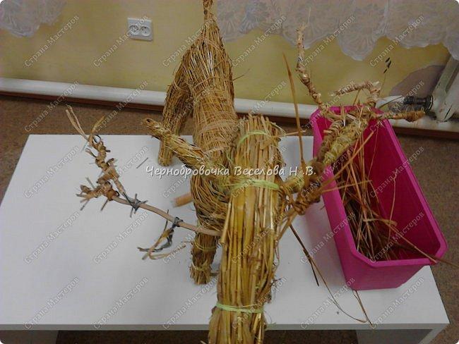 Соломенный олень был сделан, как экспонат , для участия в  межрегиональной выставке Рождественские узоры Поволжья фото 10