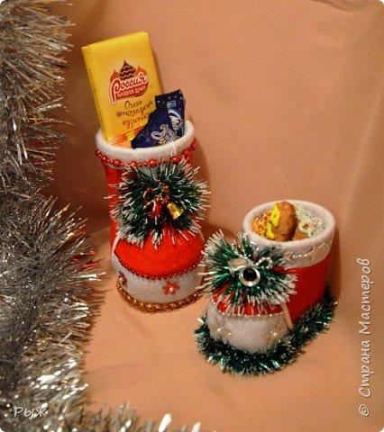 В этом году Рождественские печеньки и  сласти разбегались в таких сапожках фото 2
