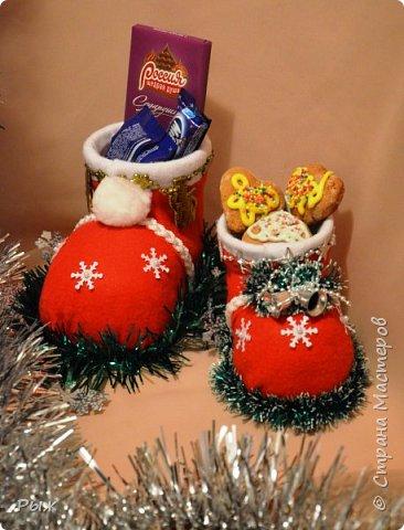В этом году Рождественские печеньки и  сласти разбегались в таких сапожках фото 3