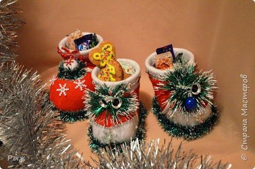 В этом году Рождественские печеньки и  сласти разбегались в таких сапожках фото 4