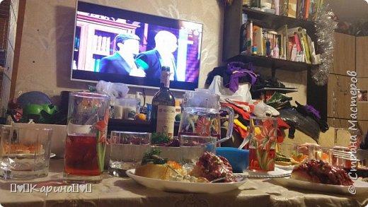 Привет! Давно хотела Вам показать как мы праздновали Новый Год, и вот смотрите! Наш стол фото 7