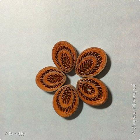 Добрый день дорогие мастерицы! Многие попросили меня показать как я делаю подобный цветок. Я раньше не делала мастер-классы, пробую впервые и надеюсь всем будет понятно!!! Рада если кому пригодится! фото 13