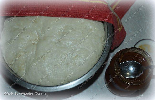Здравствуйте. Хочу поделиться еще одним простым рецептом теста для пирогов. Это тесто идеально для жарки пирожков на сковороде. Минимум продуктов и времени на приготовление. Тесто получается мягким, вкусным, подходит для сладкой или соленой начинки. фото 11