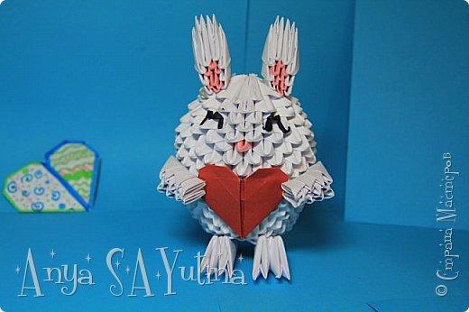 Здравствуйте) Скоро Валентинов день, поэтому я хочу вам рассказать и показать как делать такого влюблённого зайчика для ваших любимых своими руками. фото 1