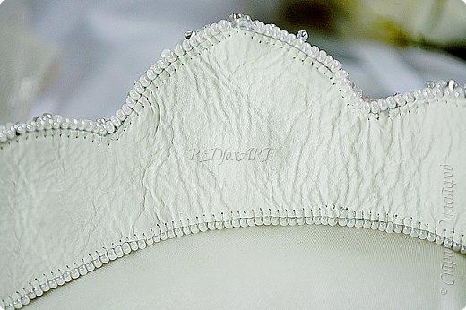 А как вам такой вариант осовременивания традиционных головных уборов? Диадема, корона, кокошник - носить можно как угодно :) фото 5