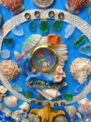 С моря я привезла много раковин. Прикупила к ним магнитов на морскую тему, собрала пластиковых крышек от ведёрок  и начала фантазировать... фото 5