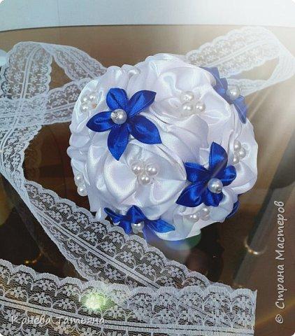 Мой первый опыт, первый букетик из атласных лент, подойдёт как для невесты, так и для свидетельницы  фото 3