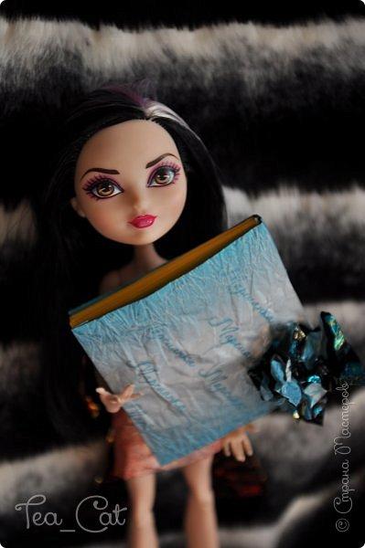 """Доброго Времени суток, Жители Страны Мастеров. Я сдаю работу на конкурс """"Загадочный блокнот"""". Я сделала блокнот, но у меня появилось вдохновение. Поэтому я сделала еще и платье. Всё выполнено из конфет """"Марсианка"""". Уж очень я их люблю) фото 1"""
