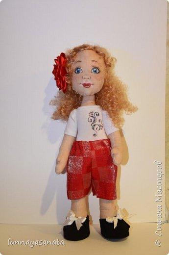 а это мои новые куколки с лицами) 35 см ростом, вся одежда снимается, в наборе два комплекта одежды, кукла в наличии) ручки гнутся, стоит сидит.  фото 5