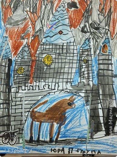 Здравствуйте! Нашим девочкам, и мальчикам очень понравилось рисовать замки. Вот что у нас получилось... фото 4
