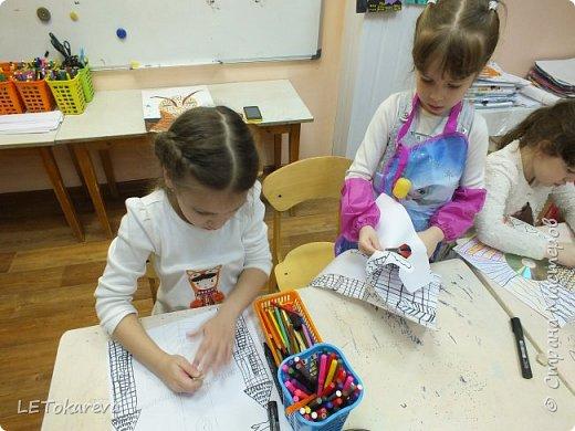 Здравствуйте! Нашим девочкам, и мальчикам очень понравилось рисовать замки. Вот что у нас получилось... фото 6