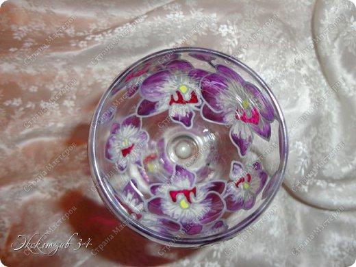 Фужеры выполнены в технике витражной росписи и послужат отличным подарком к любому торжеству. фото 4