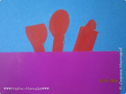 Здравствуйте! Сегодня я покажу вам три открытки. Первая была сделана бабушке на день рождения. Материалы: картон, бумага, ручка, ленточка, фломастеры. фото 5