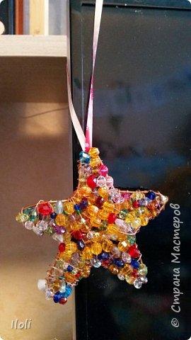 Всем привет! Выкладываю несколько поделок, которые делала еще к Новому году :)  Вот такая звездочка из проволки и бусин. фото 2